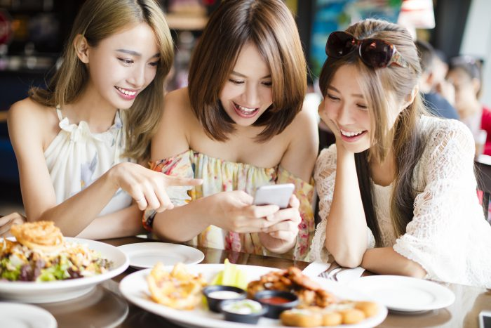 5 Kiasu Singaporean Traits That Make Us Uniquely Singaporeans